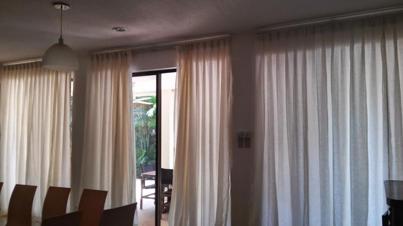 Imported fabrics curtain tracks