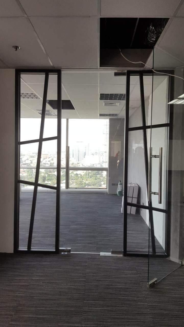 wall and Door Glass PArtition with Mullion Design